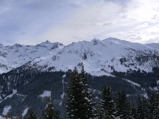 Foto: Wolfgang Lauschensky / Ski Tour / Naviser Kreuzjöchl (2536m) / Rechts das Naviser Kreuzjöchl, links der Lizumer Reckner / 12.02.2013 17:29:14