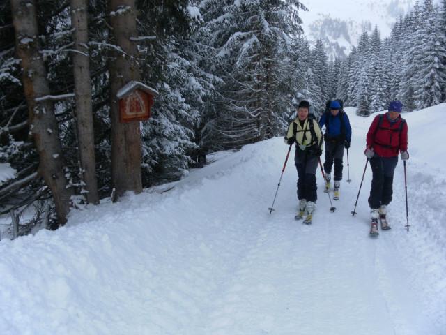 Foto: Wolfgang Lauschensky / Ski Tour / Naviser Kreuzjöchl (2536m) / am Rodelweg zur Naviserhütte / 12.02.2013 17:29:03
