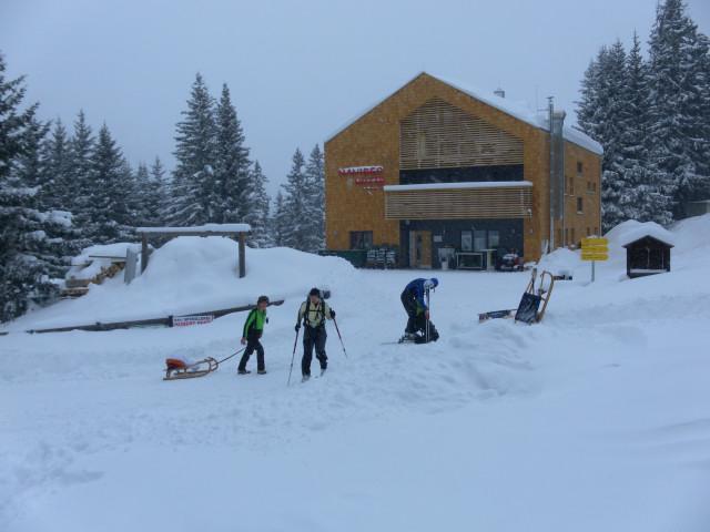 Foto: Wolfgang Lauschensky / Ski Tour / Naviser Kreuzjöchl (2536m) / Naviser Hütte / 12.02.2013 17:28:38