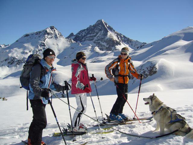 Foto: Thomas Höllwarth / Skitour / Torhelm (2452m) - über das Heimjoch / Traumtag am Heimjoch,Blick zum Torhelm(li) und Brandberg Kolm(rechts) / 26.02.2009 21:29:35