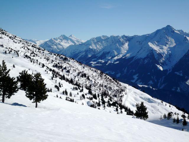 Foto: Thomas Höllwarth / Skitour / Rauhenkopf, 2268m / Blick auf die Ahornspitze(rechts) / 26.02.2009 21:55:54