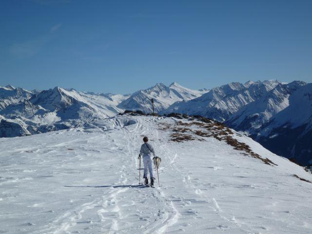 Foto: Thomas Höllwarth / Skitour / Rauhenkopf, 2268m / Am Rauhen Kopf mit Blick auf den Zillertaler Hauptkamm / 26.02.2009 21:50:28