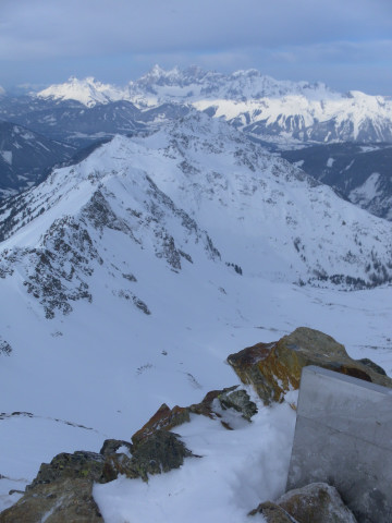 Foto: Wolfgang Lauschensky / Ski Tour / Wasserfallspitze, 2507m  / Gipfelblick ins Nordkar / 01.02.2012 17:54:52