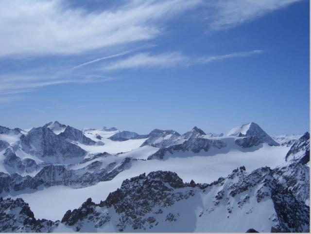 Foto: gre weg / Skitour / Lisenser Fernerkogel, 3298m / Ausblick / 23.04.2008 08:23:50