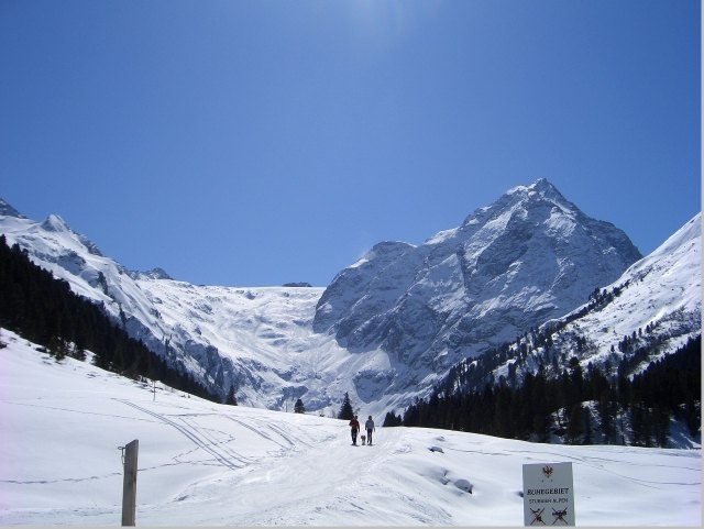 Foto: gre weg / Ski Tour / Lisenser Fernerkogel, 3298m / Aufstieg vom Parkplatz bis Gletscher / 23.04.2008 08:21:20
