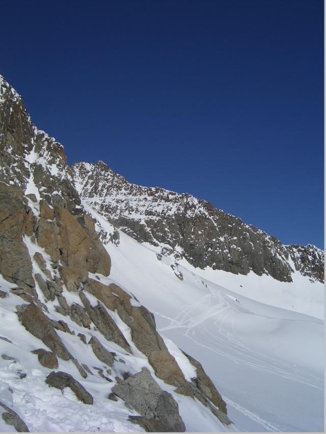 Foto: gre weg / Skitour / Lisenser Fernerkogel, 3298m / nach Plattige Wand nicht mehr weit bis zum Gipfel / 23.04.2008 08:23:04
