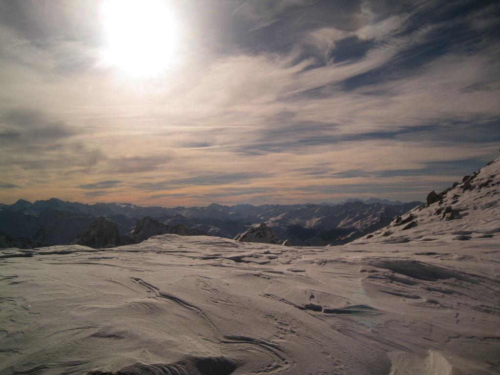 Foto: hupfi / Ski Tour / Glockturm, 3.355 m / Am Übergang vom Riffltal zum Krummgampental in ca. 3100m Seehöhe am Fuße des Glockturm-Ostgrates (Blick nach Süden) mehr Fotos unter http://www.martinhupfauf.com / 08.12.2007 11:28:51