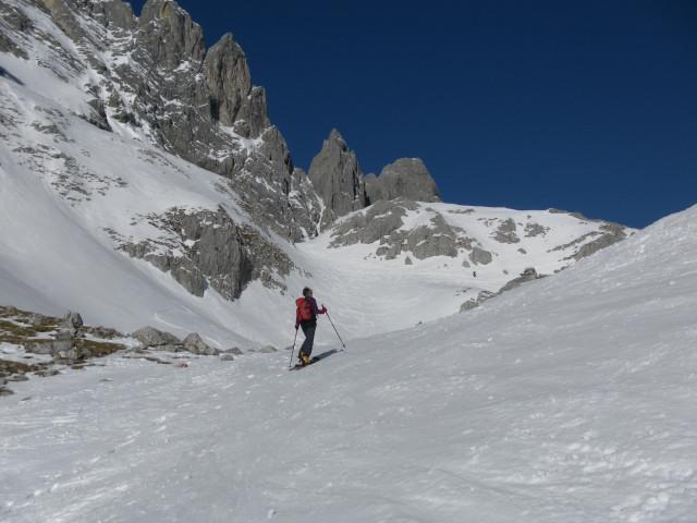 Foto: Wolfgang Lauschensky / Ski Tour / Hintere Goinger Halt, 2192m / kurz vor dem Ellmauer Tor / 12.01.2011 18:39:12