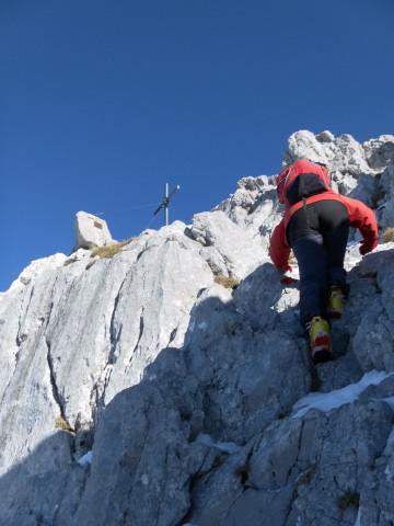 Foto: Wolfgang Lauschensky / Ski Tour / Hintere Goinger Halt, 2192m / kurze einfache Kletterei zum Gipfelkreuz / 12.01.2011 18:38:10