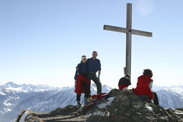Foto: Christian Schickmayr / Ski Tour / Schneebergkreuz, 1938m / Am Gipfelkreuz des Schneeberges / 22.03.2011 11:20:03