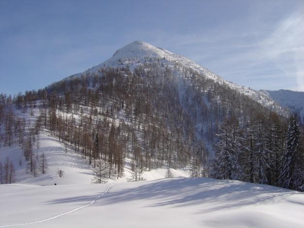 Foto: Manfred Karl / Skitour / Lackenkogel, 2051 m / Aufstieg zum Eibenberg mit Rückblick auf den Lackenkogel / 21.12.2008 20:11:52