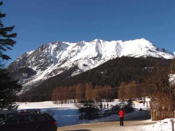 Foto: vince 51 / Ski Tour / Wankspitze (2209m) - Abfahrt über Wankreise und Stöttlreise / Wannig und Handschuhspitzen vom Parkplatz Arzkasten / 06.05.2008 23:54:40