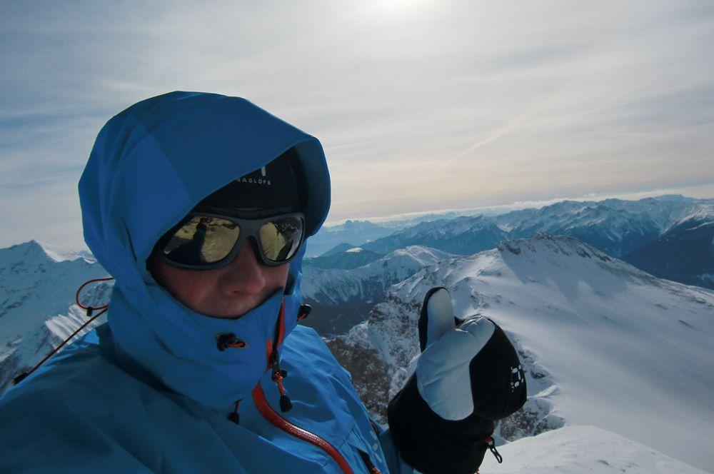 Foto: Thomas Paschinger / Ski Tour / Von Dax auf die Amthorspitze (2748m) / die letzten Meter sind nur sehr selten windstill... daher ist es am Gipfel meistens recht frisch / 12.02.2010 15:23:16