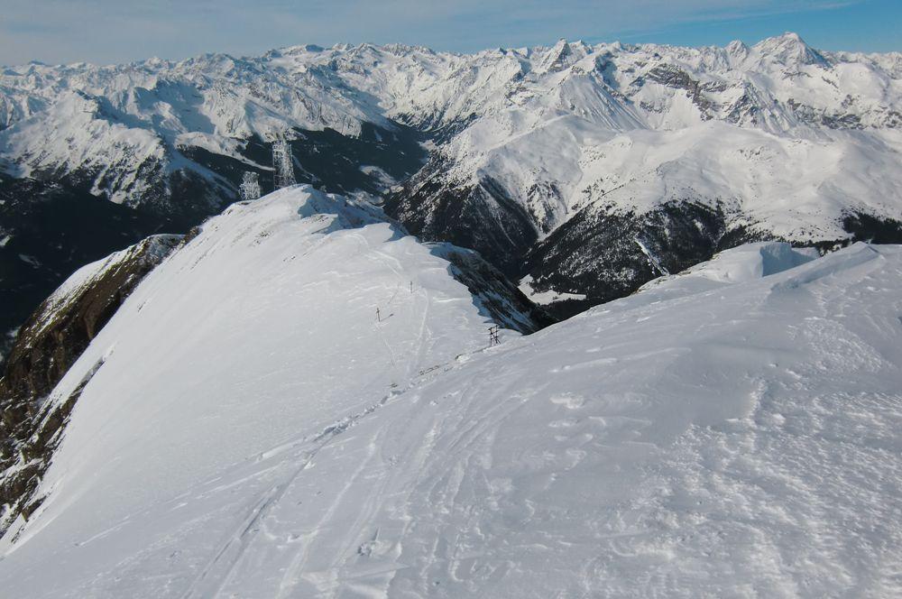 Foto: Thomas Paschinger / Ski Tour / Von Dax auf die Amthorspitze (2748m) / ab der Militärbasis über den überwächteten Rücken zum Gipfel / 12.02.2010 15:18:30
