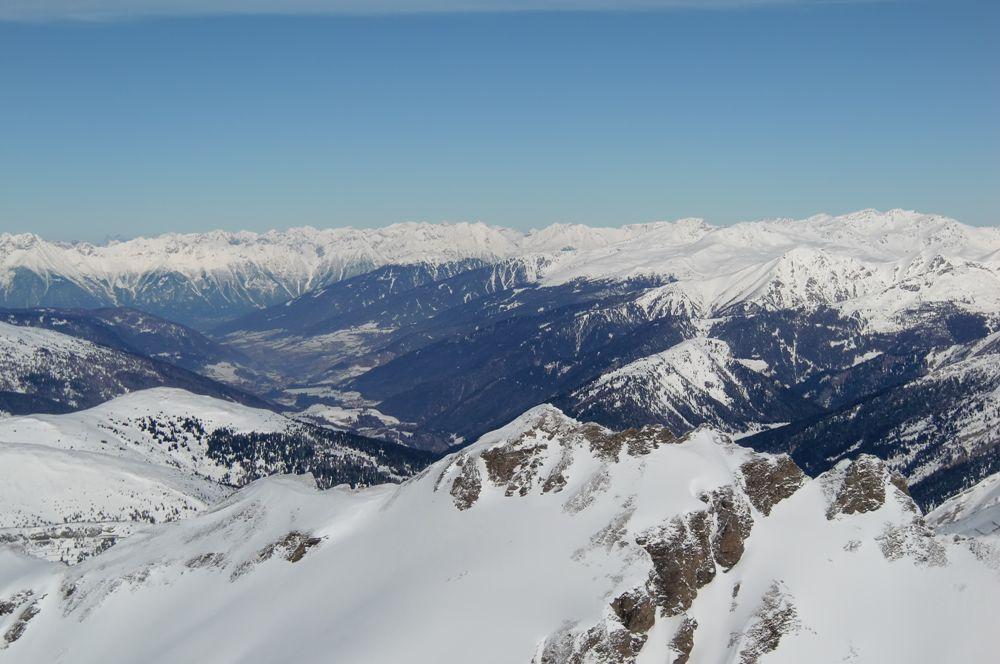 Foto: Thomas Paschinger / Ski Tour / Von Dax auf die Amthorspitze (2748m) / durchs Wipptal Richtung Innsbruck / 12.02.2010 15:15:00