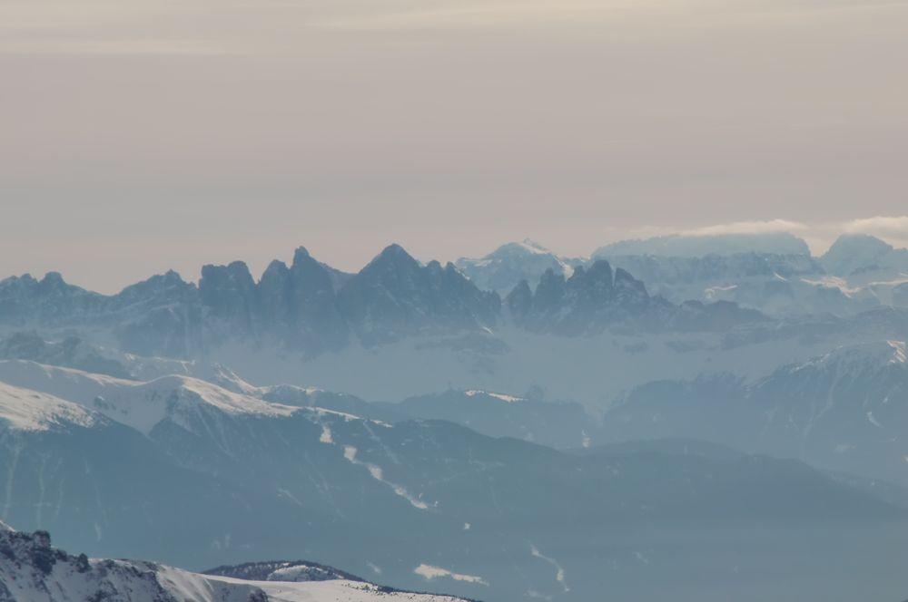 Foto: Thomas Paschinger / Ski Tour / Von Dax auf die Amthorspitze (2748m) / die Geilserspitzen / 12.02.2010 15:09:42
