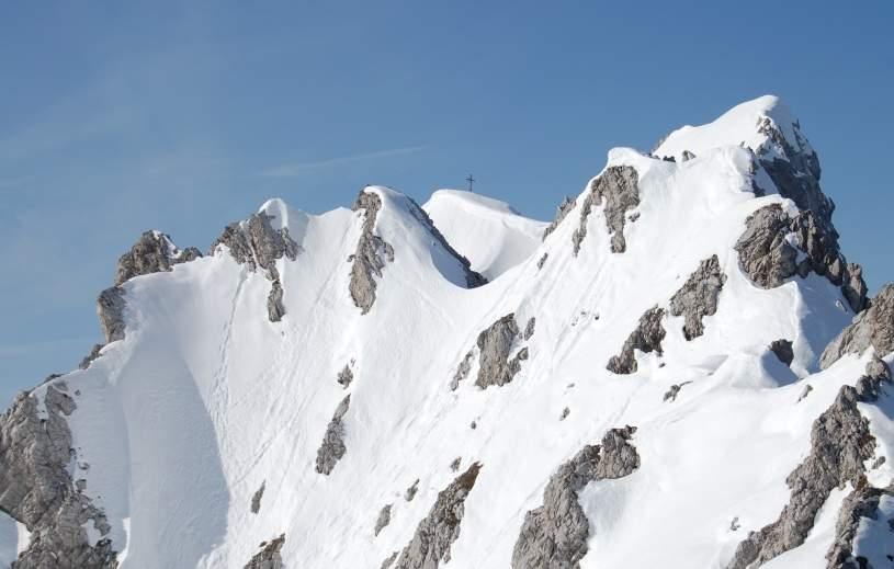 Foto: Bernhard Berger / Skitour / Über die Arzler Reise zur Arzler Scharte / Blick zur Mannlspitze (Foto Bernd Golas) / 24.04.2009 12:50:05