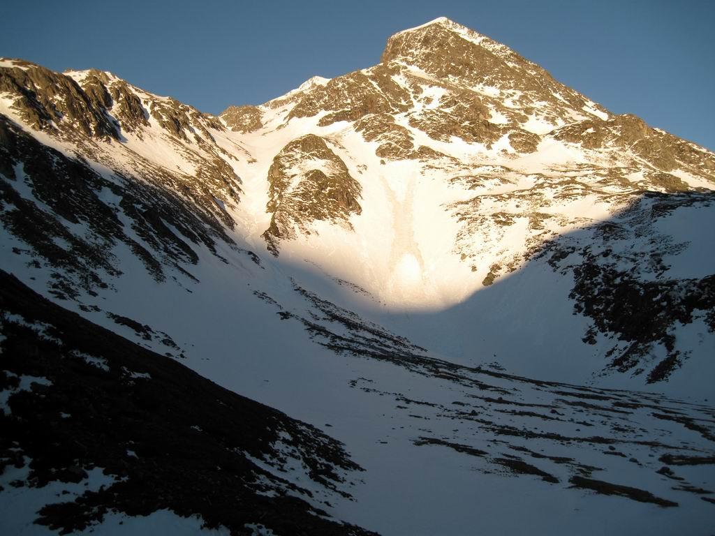 Foto: Heidi Schützinger / Ski Tour / Mittleres Schwarzhorn (2931m) / Blick auf den Anstieg durch das Eisental  / 12.06.2010 17:01:47