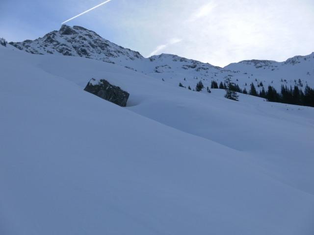 Foto: Wolfgang Lauschensky / Ski Tour / Von Aurach auf den Staffkogel (2115m) / schattiges Nordwestkar unter dem Staffkogel / 02.01.2013 18:13:10