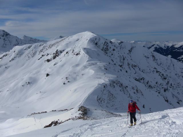Foto: Wolfgang Lauschensky / Ski Tour / Von Aurach auf den Staffkogel (2115m) / Saalkogel hinter dem Oberreiter Joch / 02.01.2013 18:12:07