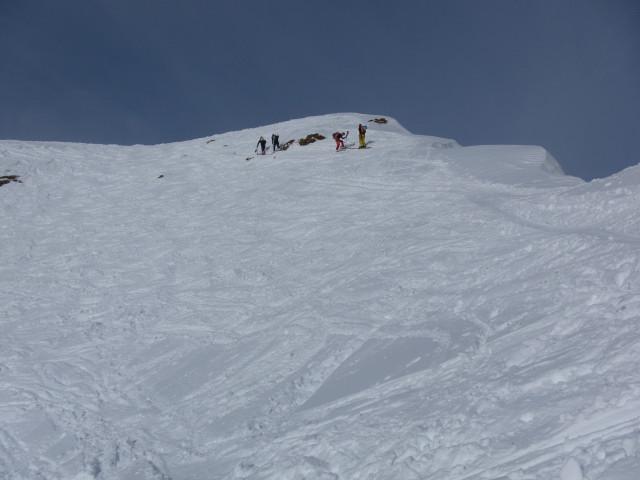 Foto: Wolfgang Lauschensky / Ski Tour / Von Aurach auf den Staffkogel (2115m) / überwechteter Gipfelgrat / 02.01.2013 18:11:39