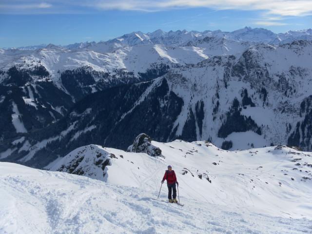 Foto: Wolfgang Lauschensky / Ski Tour / Von Aurach auf den Staffkogel (2115m) / Gipfelflanke. Im Hintergrund die Glockner Gruppe Nord / 02.01.2013 18:11:29