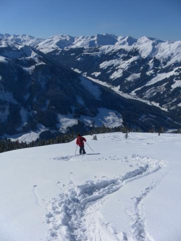 Foto: Wolfgang Lauschensky / Ski Tour / Lodron (1926m) / Gipfelabfahrt, gegenüber Sonnenjoch und Gr.+Kl. Beil / 26.02.2012 15:14:51