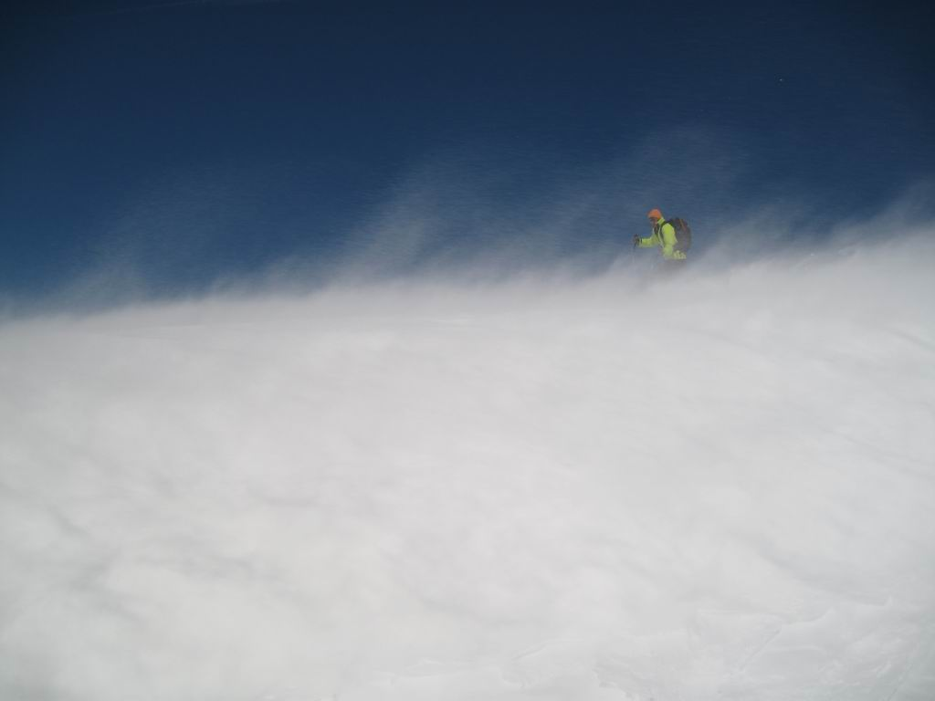 Foto: Heidi Schützinger / Ski Tour / Stubeck (2370m) / Die Abfahrt Richtung Kramerhütte / 21.03.2010 08:29:32