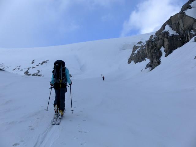 Foto: Wolfgang Lauschensky / Ski Tour / Von der Kürsingerhütte auf die Schlieferspitze (3290m) / vor dem Eiswulst / 07.05.2013 16:00:25