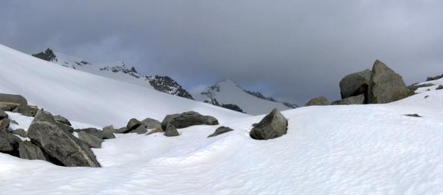 Foto: Wolfgang Lauschensky / Ski Tour / Von der Kürsingerhütte auf die Schlieferspitze (3290m) / Einstieg ins Sonntagskees, dahinter Schlieferspitze / 07.05.2013 15:59:58