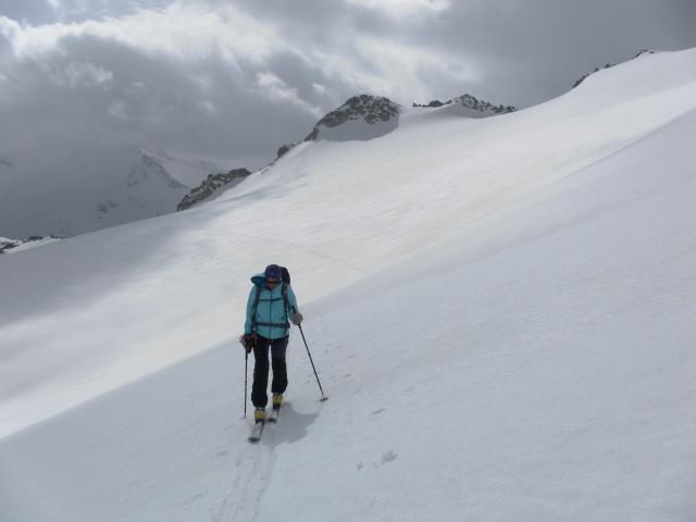 Foto: Wolfgang Lauschensky / Ski Tour / Von der Kürsingerhütte auf die Schlieferspitze (3290m) / Gletscherquerung vor Krimmler Törlkopf / 07.05.2013 15:59:41