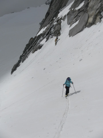Foto: Wolfgang Lauschensky / Ski Tour / Von der Kürsingerhütte auf die Schlieferspitze (3290m) / steiles Firntrapez / 07.05.2013 15:59:31