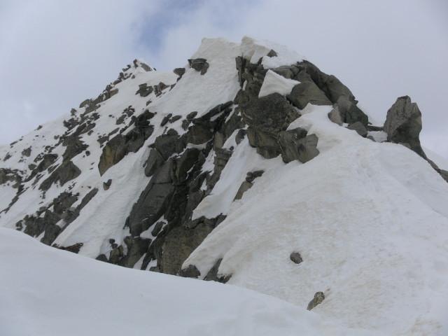 Foto: Wolfgang Lauschensky / Ski Tour / Von der Kürsingerhütte auf die Schlieferspitze (3290m) / Gipfelgrat / 07.05.2013 15:59:08