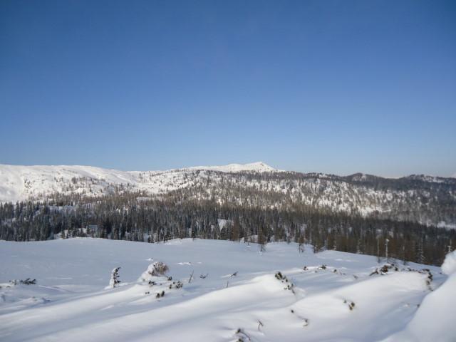 Foto: Günter Siegl / Skitour / Ausseer Zinken (1854m) / Blick vom Gschirrkogel auf den Zinken (rechts von Bildmitte). / 19.02.2012 14:28:08