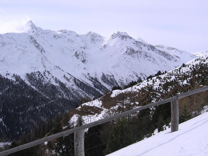 Foto: Andreas Koller / Skitour / Vinschgauer Aussichtsloge Watles (2557 m) / 19.12.2008 01:31:52