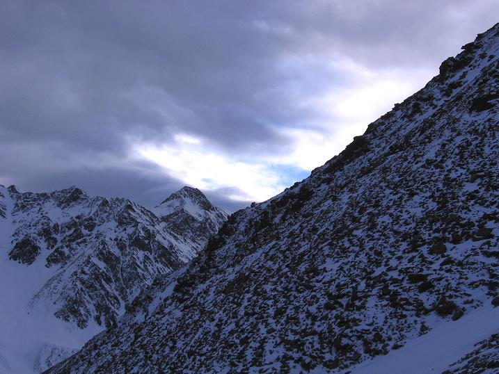 Foto: Andreas Koller / Skitour / Upiakopf (3175 m) / 18.12.2008 19:02:11
