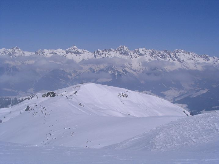 Foto: Andreas Koller / Ski Tour / Langeck (1899m) - Hundstein (2117m) - Hochkaser (2017m) / 24.12.2008 01:53:06
