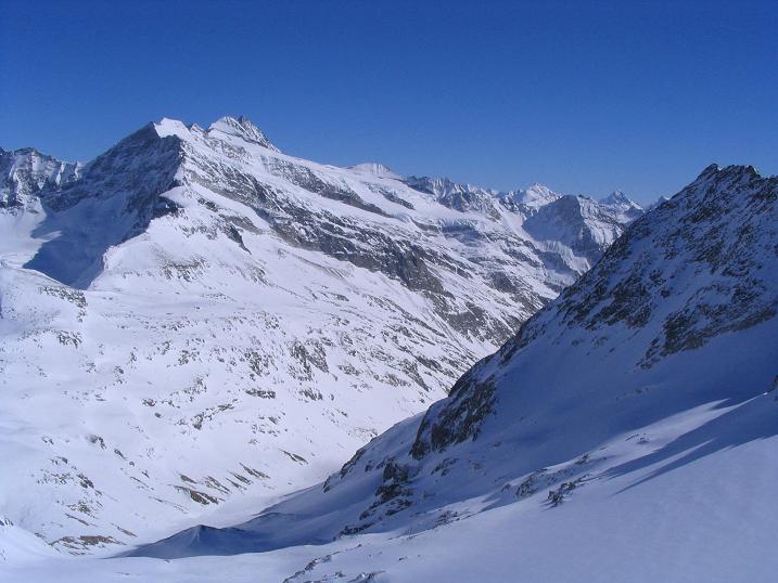 Foto: Andreas Koller / Skitour / Über den Stubacher Sonnblick (3088m) ins Osttiroler Tauerntal / 24.12.2008 13:15:50