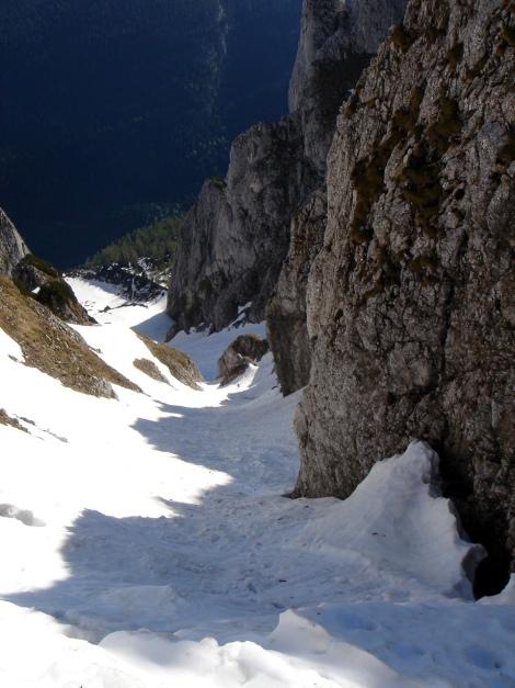 Foto: Manfred Karl / Ski Tour / Manndlscharte (2098m) / Da kommt noch einer die Rinne herauf! / 27.01.2009 20:50:13