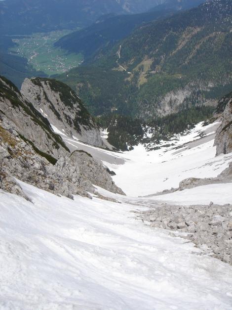 Foto: Manfred Karl / Ski Tour / Manndlscharte (2098m) / Rückblick ins Weitkar, links unten der Scharlingkogel / 27.01.2009 20:41:03