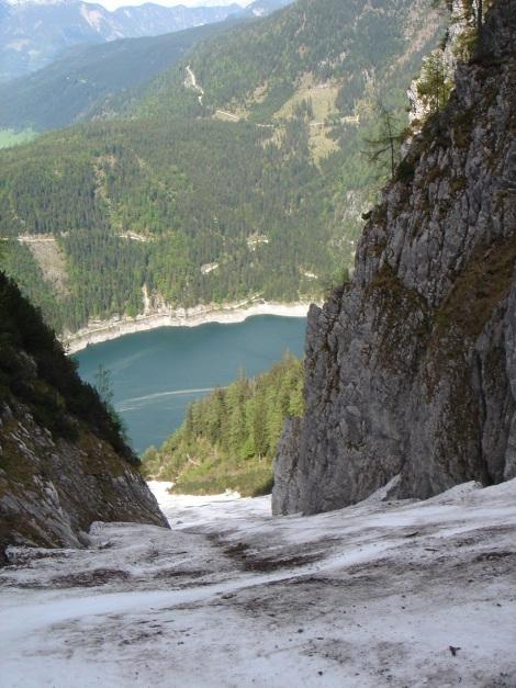 Foto: Manfred Karl / Ski Tour / Manndlscharte (2098m) / Man könnte direkt in den See hineinfahren ;-) / 27.01.2009 20:36:25
