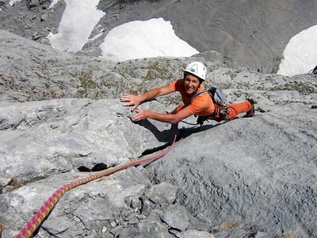 Foto: Kühberger Rudolf / Kletter Tour / Topolino (VII) / Geistlinger Peter am Ende der 3. Sl. (7) von Topolino. / 27.07.2010 16:26:04