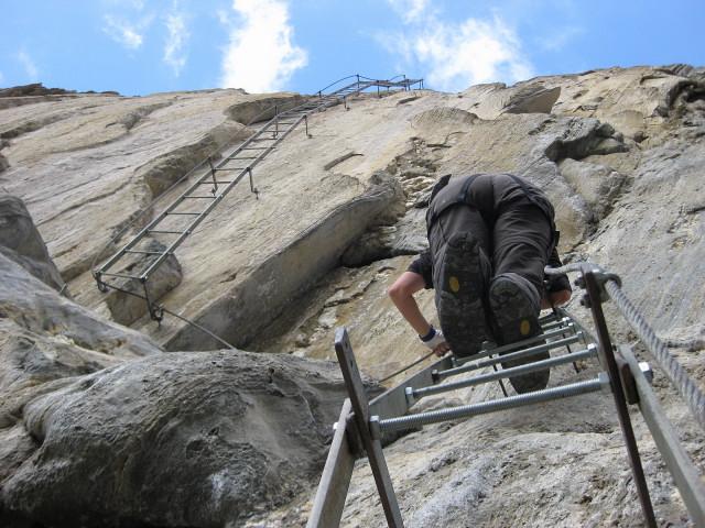Foto: Wolfgang Lauschensky / Klettersteig Tour / Rote Saile (2879m) - Nordkanten-Klettersteig / Leiterngenuss / 26.07.2011 23:34:57
