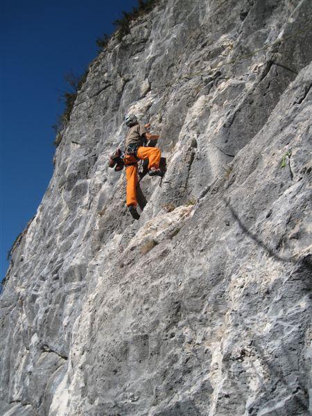 Foto: Heidi Schützinger / Kletter Tour / Luft intan Oarsch / Die erste Seillänge ist kraftraubend / 16.11.2015 17:59:06