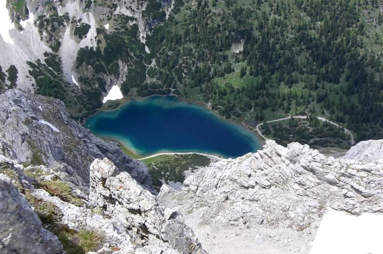 Foto: Thomas Paschinger / Klettersteigtour / Klettersteig Seeben und Klettersteig Vorderer Tajakopf / der Seebensee vom Gipfel des Vorderen Tajakopfes / 25.07.2009 14:12:37