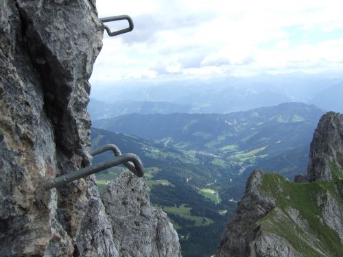 Foto: hofchri / Klettersteig Tour / Grandlspitz-Klettersteig / ausgesetzte Zick-Zack Passage (C/D) / 02.08.2010 21:19:04