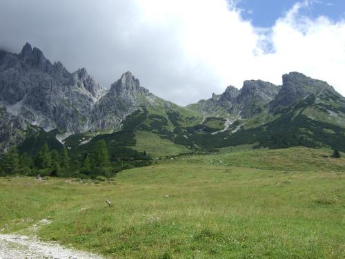 Foto: hofchri / Klettersteig Tour / Grandlspitz-Klettersteig / rechts die Taghaube, mittig der Grandspitz, links der Königsjodler / 02.08.2010 21:15:30