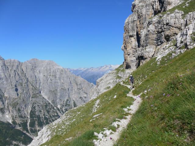 Foto: Wolfgang Lauschensky / Klettersteig Tour / Bocchette Weg - Sentiero SOSAT / viel Wandern auf Grasbändern / 30.08.2013 21:18:36