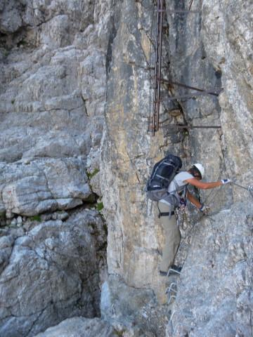 Foto: Wolfgang Lauschensky / Klettersteig Tour / Bocchette Weg - Sentiero SOSAT / neue Umgehung der alten Leiter über Klammern / 30.08.2013 21:17:51