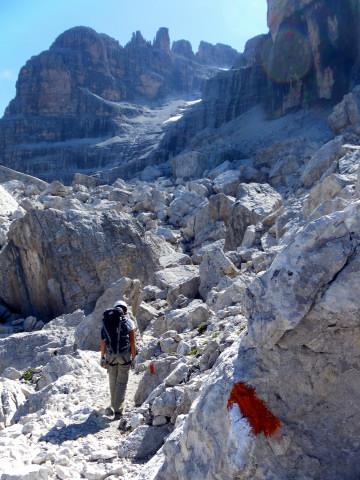 Foto: Wolfgang Lauschensky / Klettersteig Tour / Bocchette Weg - Sentiero SOSAT / Blockgelände / 30.08.2013 21:15:34